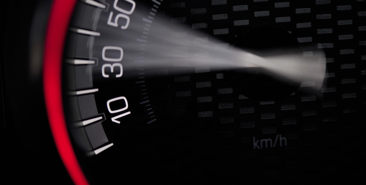 Performance - Peugeot 208 GTi speedometer