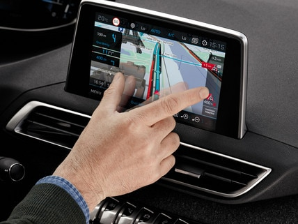 Large touchscreen Peugeot i-Cockpit