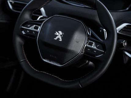 Compact steering wheel Peugeot i-Cockpit