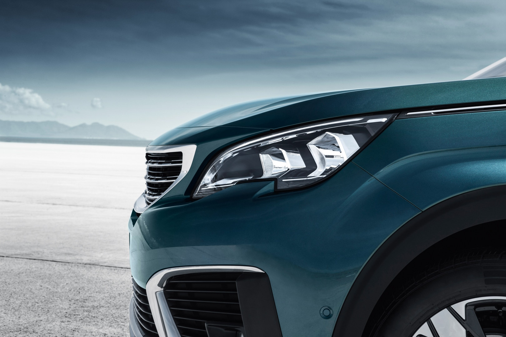 Peugeot 5008 New Car Showroom 7 Seat Suv Test Drive Today