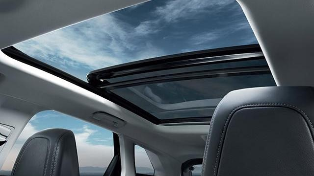 PEUGEOT Premium Pack Opening Glass Sunroof