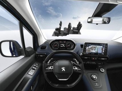 PEUGEOT 5008 SUV 7 seat modularity VR