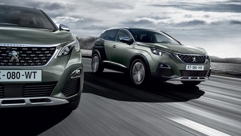 PEUGEOT 3008 SUV GT driving