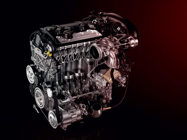 PEUGEOT 308 GTi by PEUGEOT Sport turbo engine