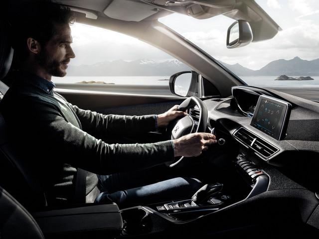 Peugeot i-Cockpit New SUV 3008