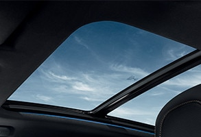 /image/63/2/peugeot_3008_suv_gt_glass_roof.282632.jpg