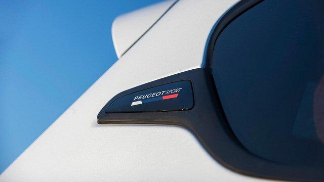 PEUGEOT 208 GTi Edition Definitive by PEUGEOT Sport Design