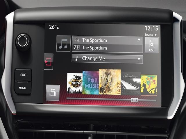 PEUGEOT 208 GTi touchscreen