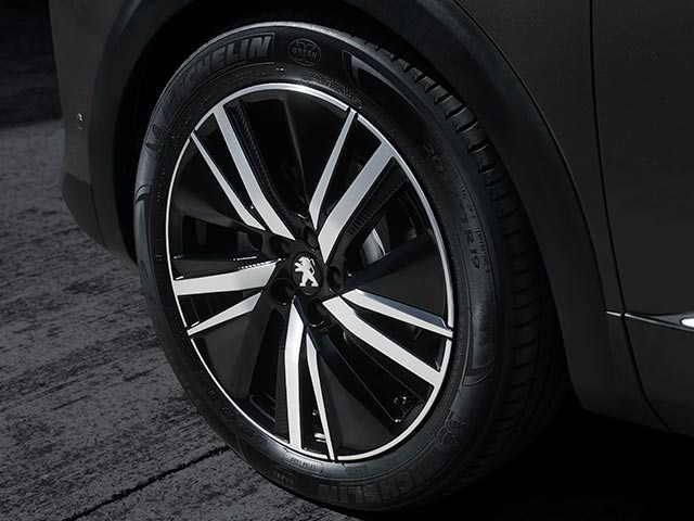 "PEUGEOT 3008 SUV GT Premium Pack | 19"" San Francisco Alloy Wheels"