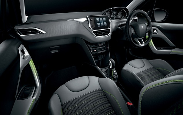 /image/72/4/peugeot_208_interior_lime_yellow.106724.jpg