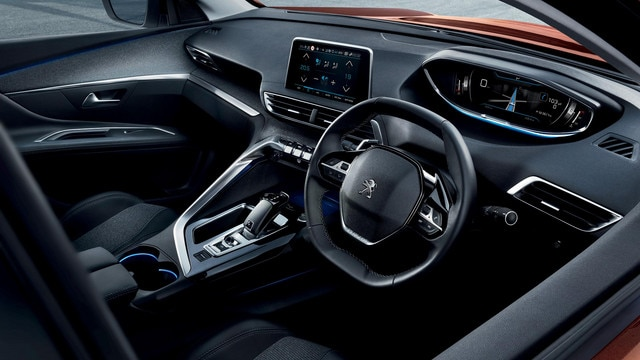 PEUGEOT 3008 SUV with PEUGEOT i-Cockpit