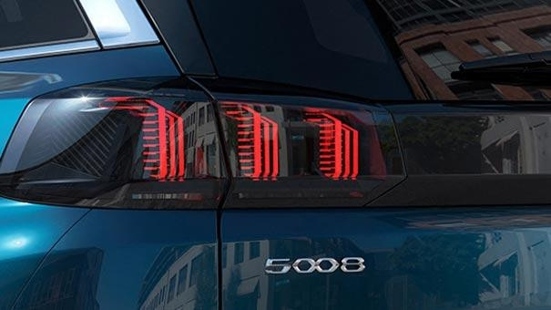 New large PEUGEOT 5008 SUV with 7 Seats Design | Rear Lights