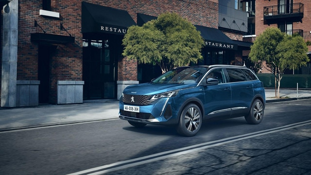 New Large PEUGEOT 5008 SUV with 7 Seats | Image Gallery