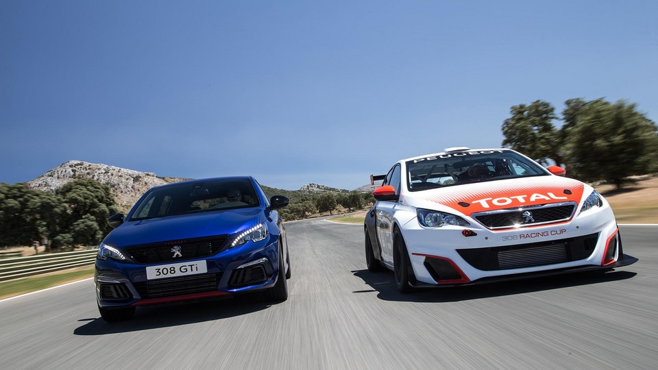 PEUGEOT 308 GTi by PEUGEOT Sport with 308 Racing Cup