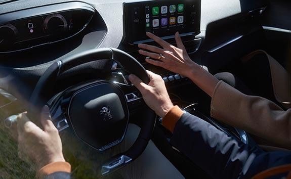 New Large PEUGEOT 5008 SUV with 7 Seats | Connect With Apple CarPlay™ and Android Auto
