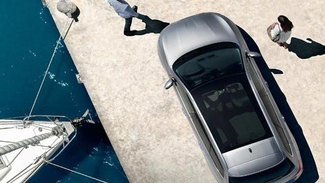 PEUGEOT 308 panoramic glass roof