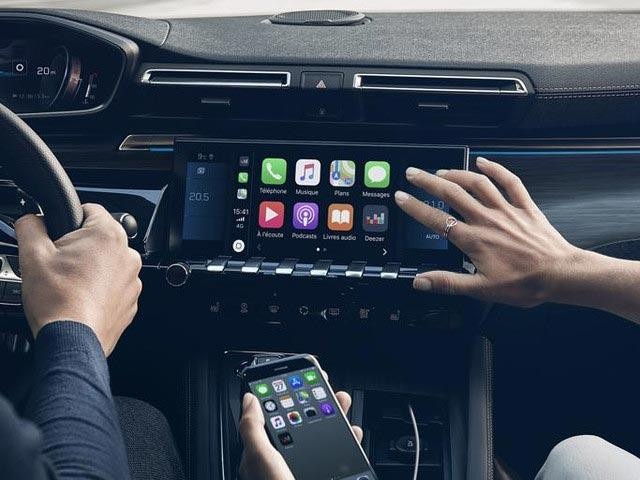 PEUGEOT Innovations and Technology - Connectivity