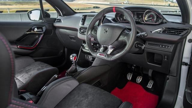 PEUGEOT 208 GTi Edition Definitive by PEUGEOT Sport i-Cockpit