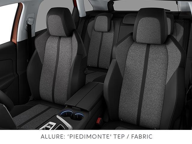 PEUGEOT 3008 SUV Allure trim